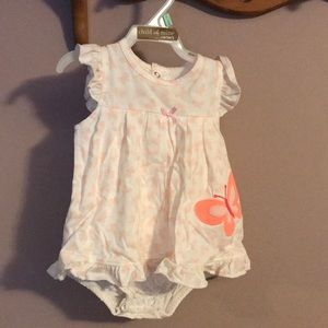 Carter's Girl 6-9 mos 1 piece Butterfly Outfit